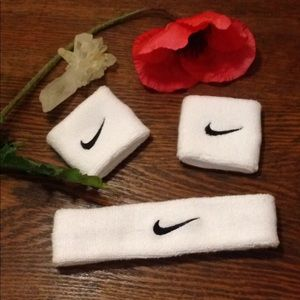 Nike headband and wrist bands! New without tags!